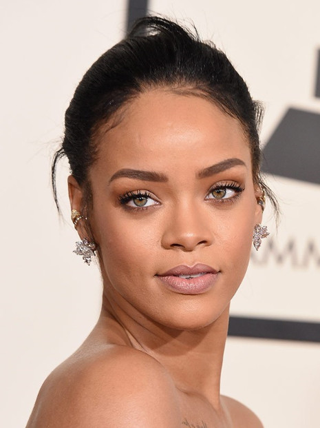 10 of the hottest fema... Rihanna Age 30