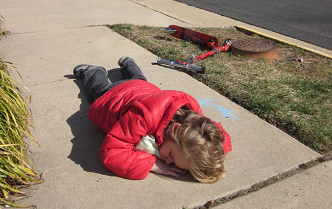 hilarious photos showing that kids can fall asleep literally anywhere