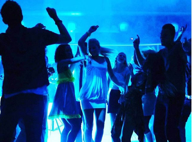 Party excitement for youth in Summer 2016