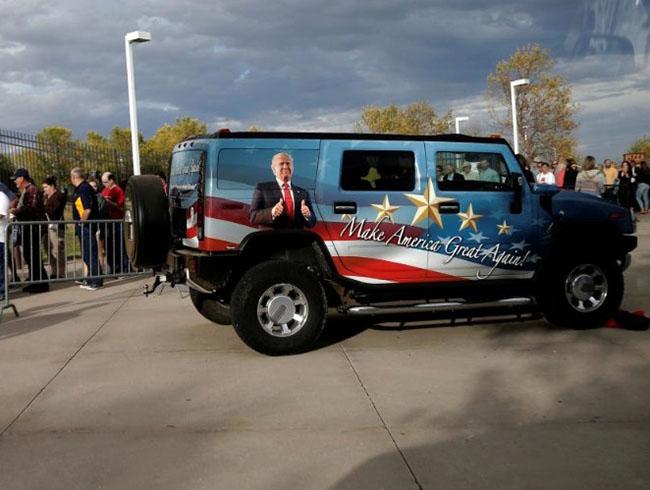 Donald Trump Shares Strange, Confusing, Fans
