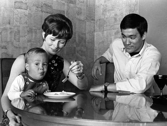 Some unseen Photos of Bruce Lee's Life