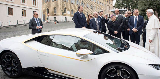 Pope Francis gets personalized Lamborghini, but plans to auction it for charity
