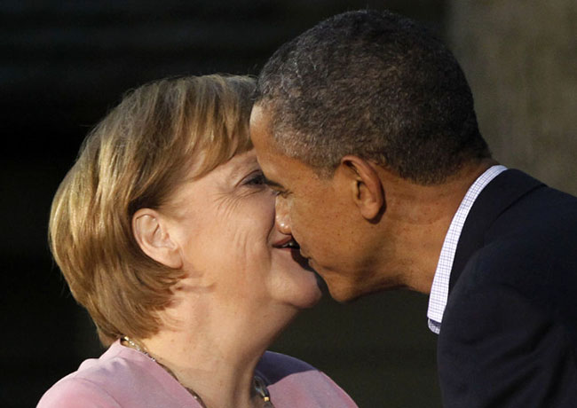 most awkward greetings of world leaders