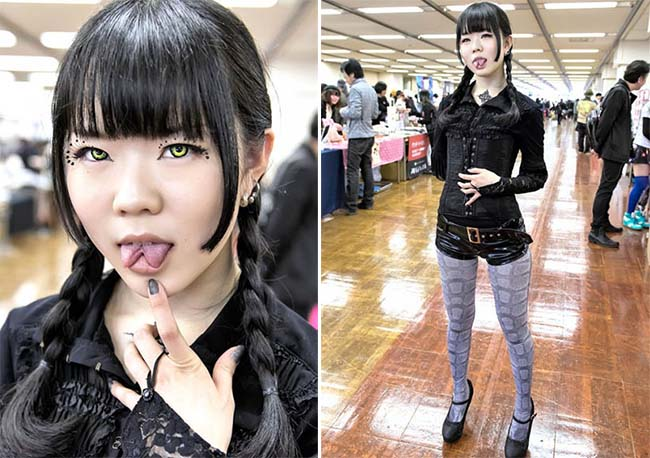Different fashion Meaning on the Tokyo's streets!