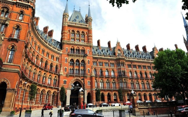 A Look at beautiful carpets of St. Pancras Renaissance London Hotel