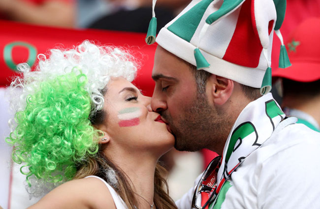 Best Couple Kisses of World cup 2018