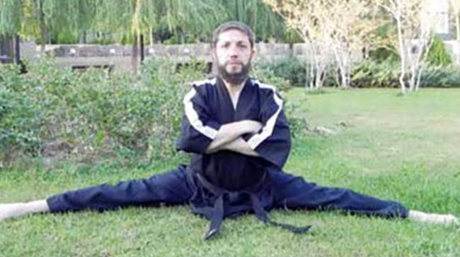 The mullah that playing parkour in his free time