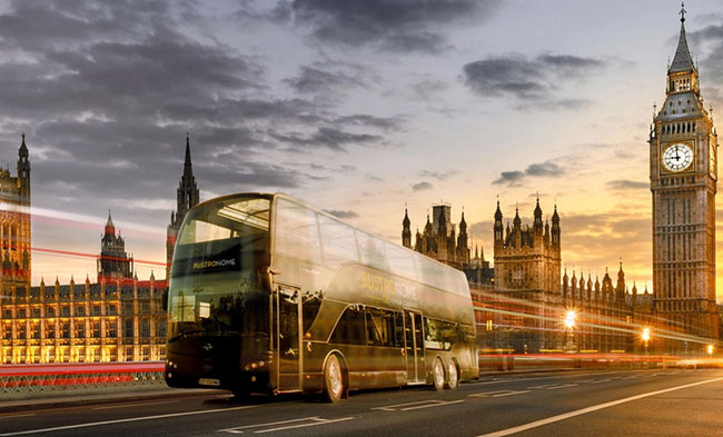 Sightseeing and Fine Dining in London – On a Bus!