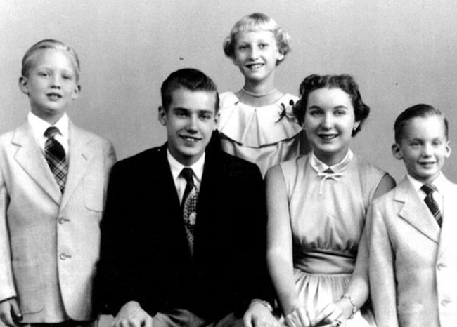 Meet Donald Trump's siblings, the oldest of whom just retired as a federal judge
