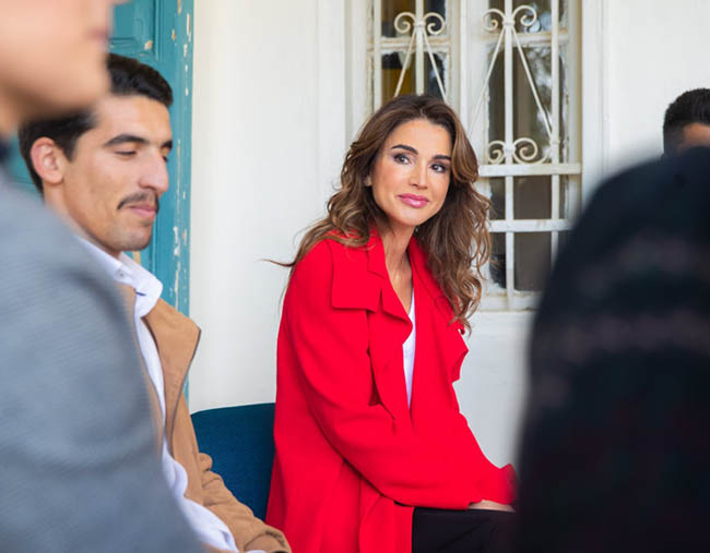 Queen Rania Al Abdullah Visitng youth in the streets of Al-Weibdeh