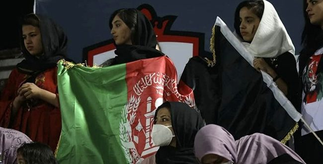Highlights of Female fans during Afghan Premier League