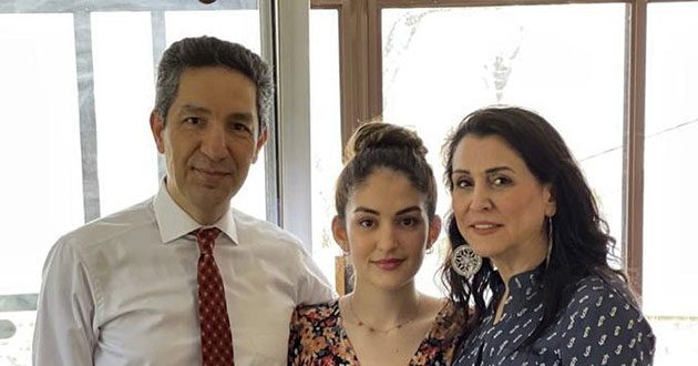 """The TV Presenter """"Siamak Dehghanpour"""" and his family in the U.S."""